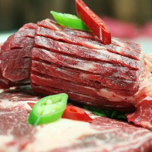 호주청정우 칼집을 낸 소 목등심 500g/산적용